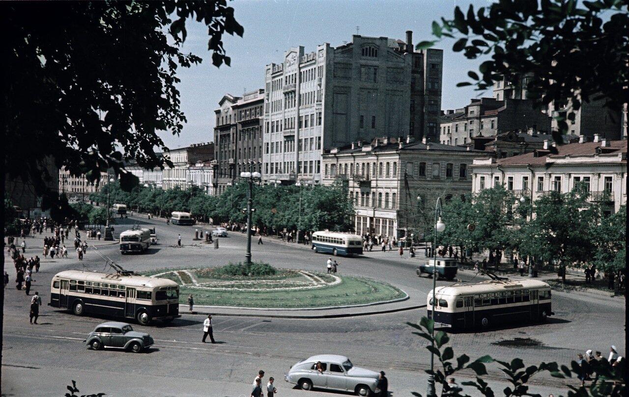 Площадь Сталина. 1950