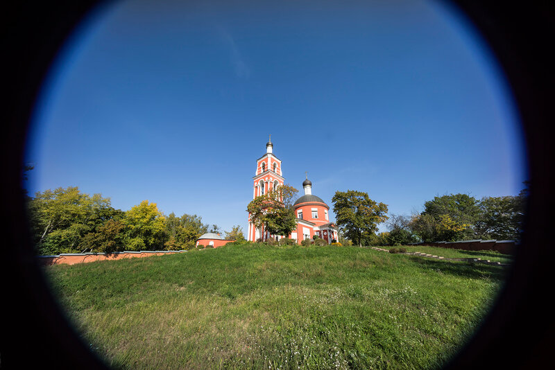 Петропавловская церковь в Петровском - тестовый кадр - фокусное 10 мм - Sony A7R - Sony 10-18