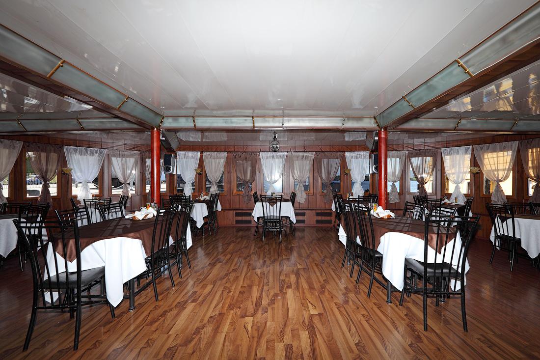 ресторан главная палуба