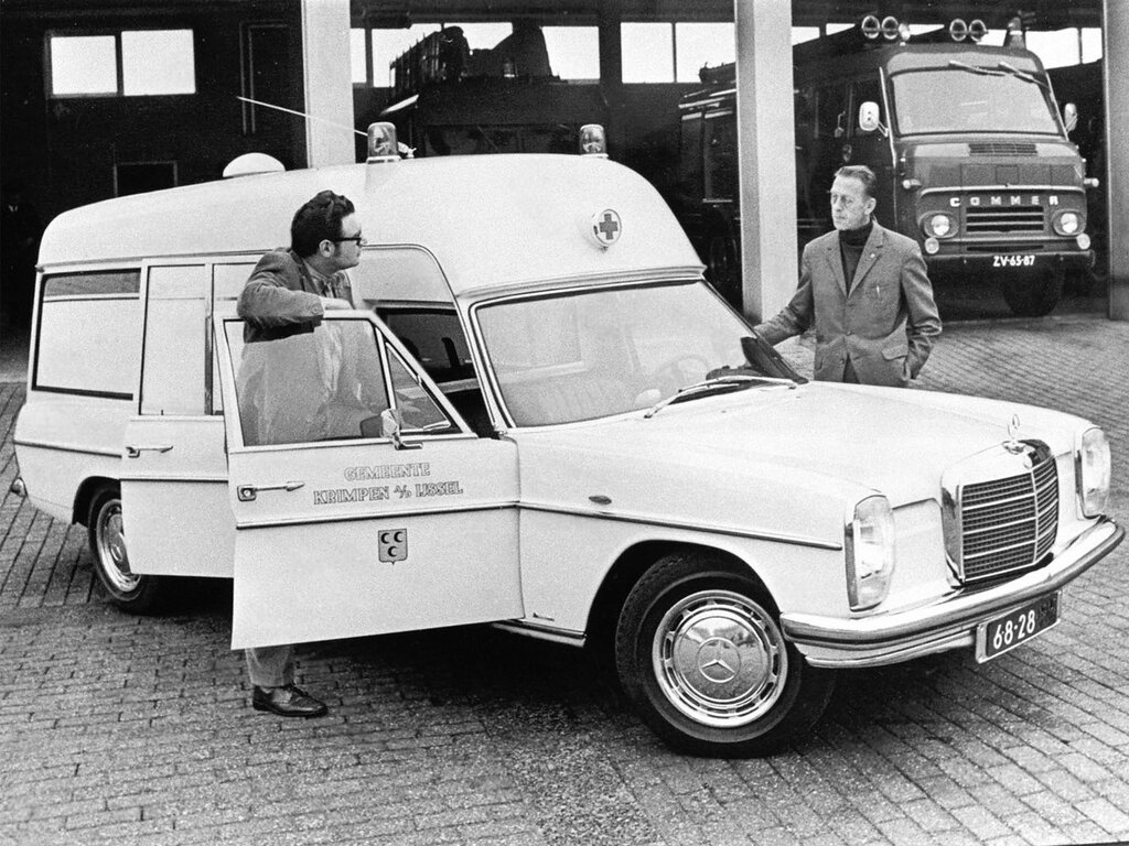 1968_Mercedes_Benz_220_D_8_Ambulance_by_Visser_VF115_classic_emergency_1600x1200.jpg
