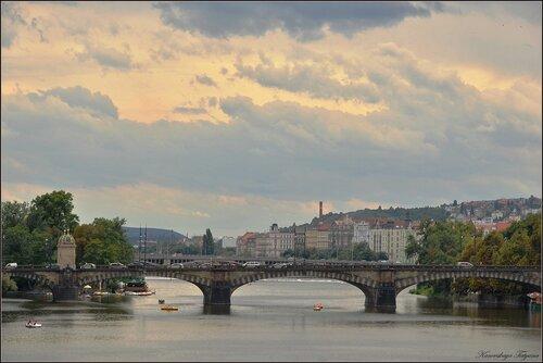Тучи над Прагой...