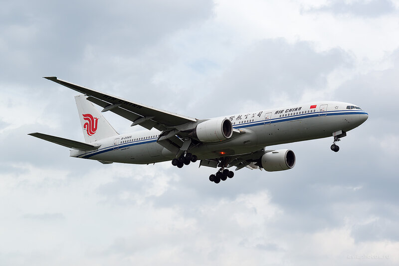 Boeing 777-2J6 (B-2065) Air China D806135