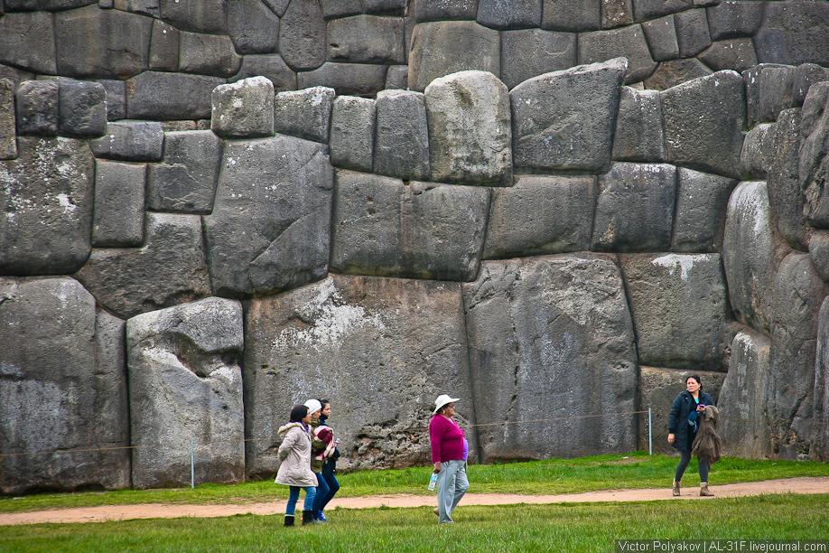 Саксайуаман. Каменная стена