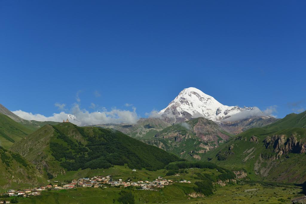 Грузия.Гора Казбек.