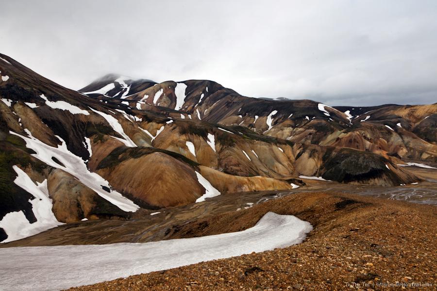 1. Цветные горы Ландманналойгар.