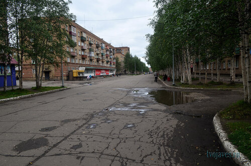 Фото города Инта №7169  Горького 7 (магазин