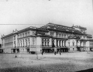 Здание Петербургской консерватории.