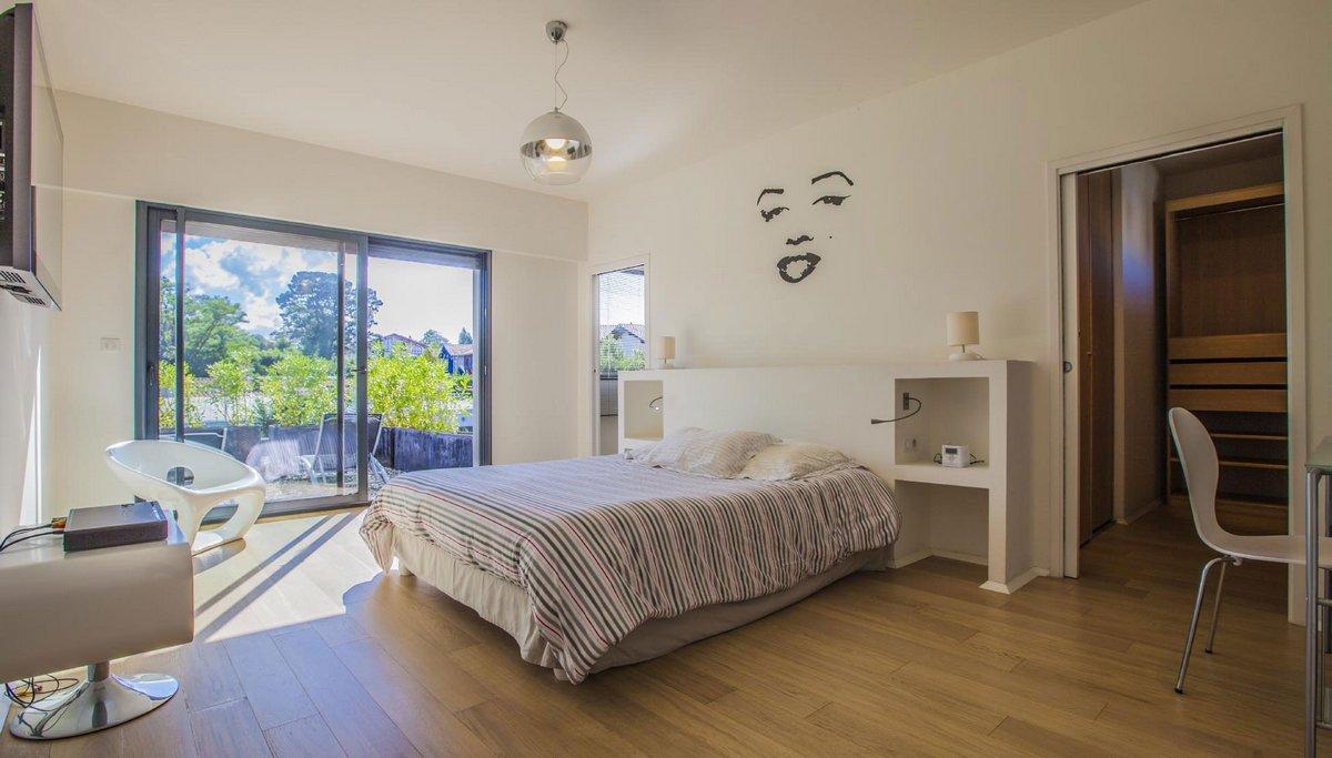 Villa Pop Art, Schindler Rentals, аренда дома во Франции, аренда виллы, особняк во Франции, вилла в Биаррице, аренда элитного дома Франция