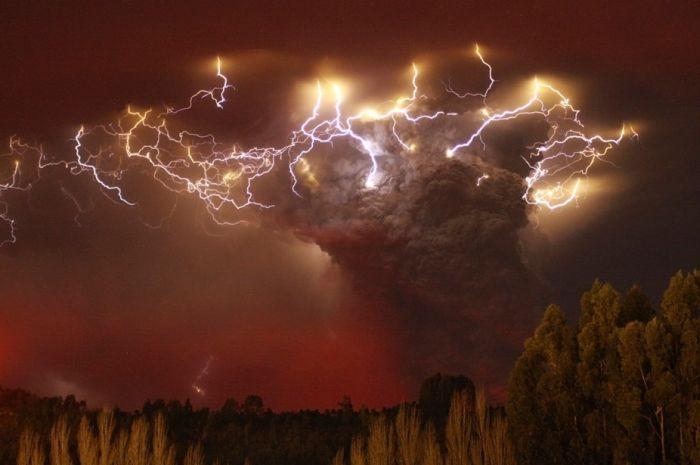 Красивые фотографии молний в самых разных местах и ситуациях 0 a552e d2d23d56 orig