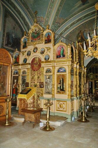 Церковь Успения Пресвятой Богородицы в Шубино. Иконостас левого придела.
