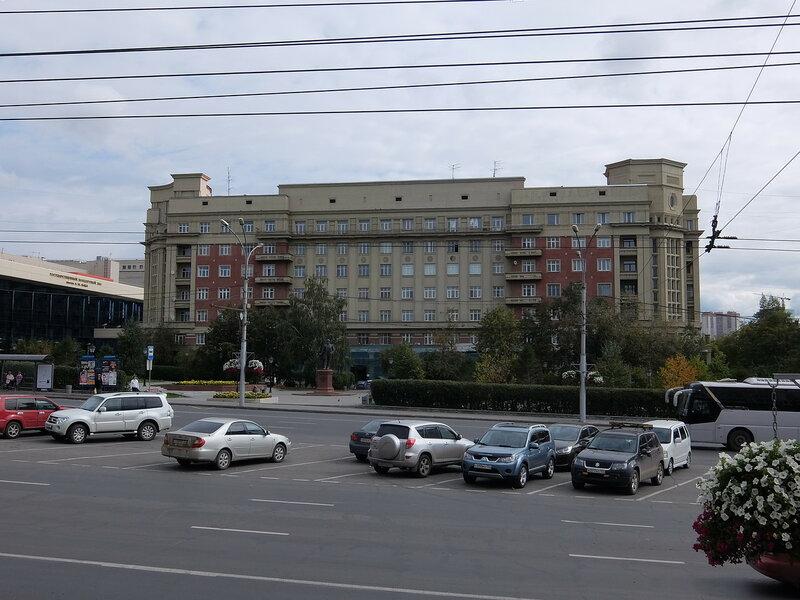 Новосибирск - Стоквартирный дом