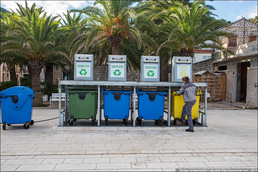 Подземные мусорные контейнеры в Хорватии