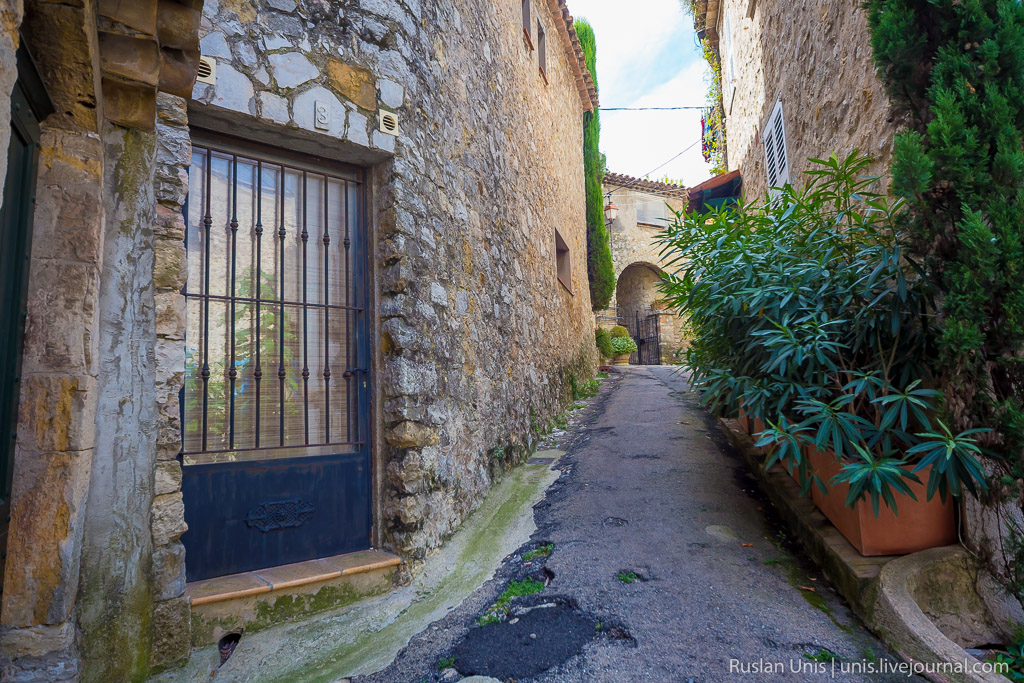 Автомобильное путешествие по Франции