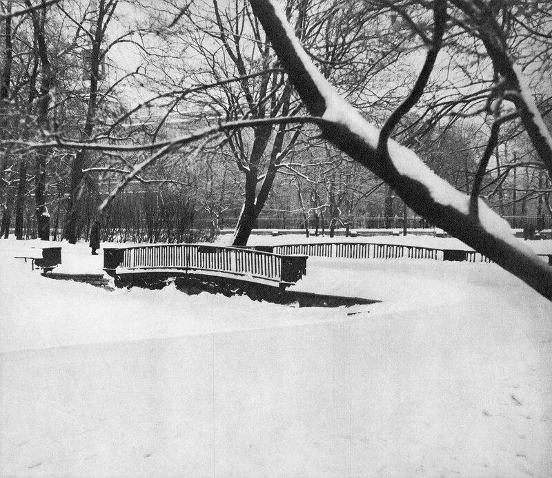 Мост через засыпанный проток в Михайловском саду / Bridge over the filled-up creek in the Mikhailovsky Garden
