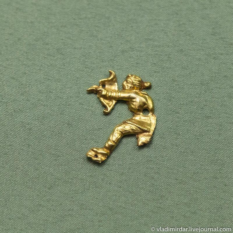 Лучник. Бляшка нашивная. Золото.