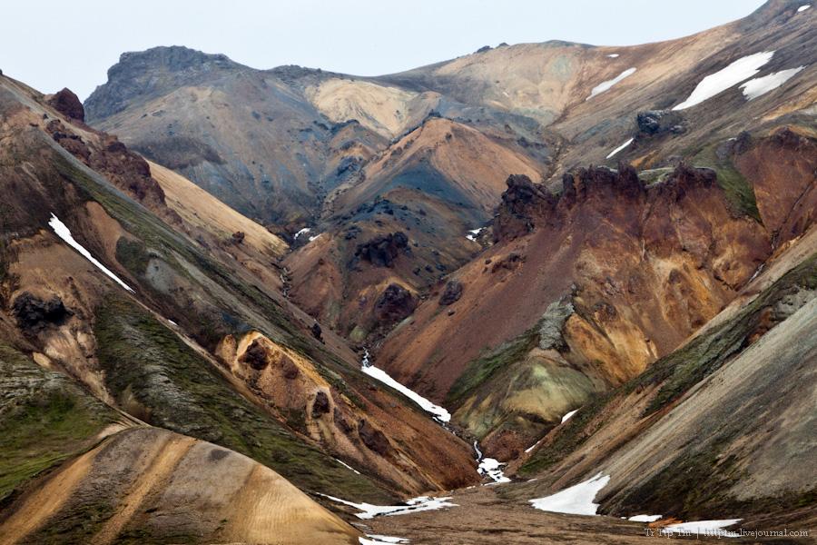 20. Цветные горы Ландманналойгар.