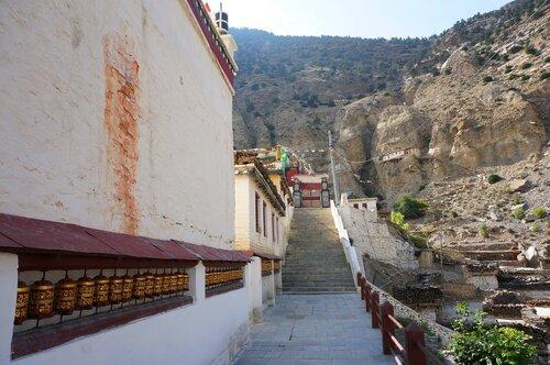 Монастырь в Марфе