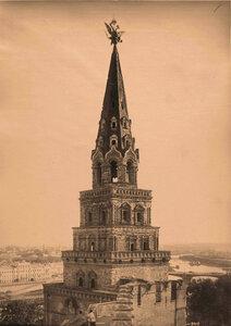 Вид верхней части Боровицкой башни Кремля. Москва г.