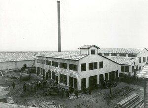 Общий вид заводских построек (вид со двора).