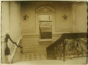 Вид части лестницы в здании лазарета