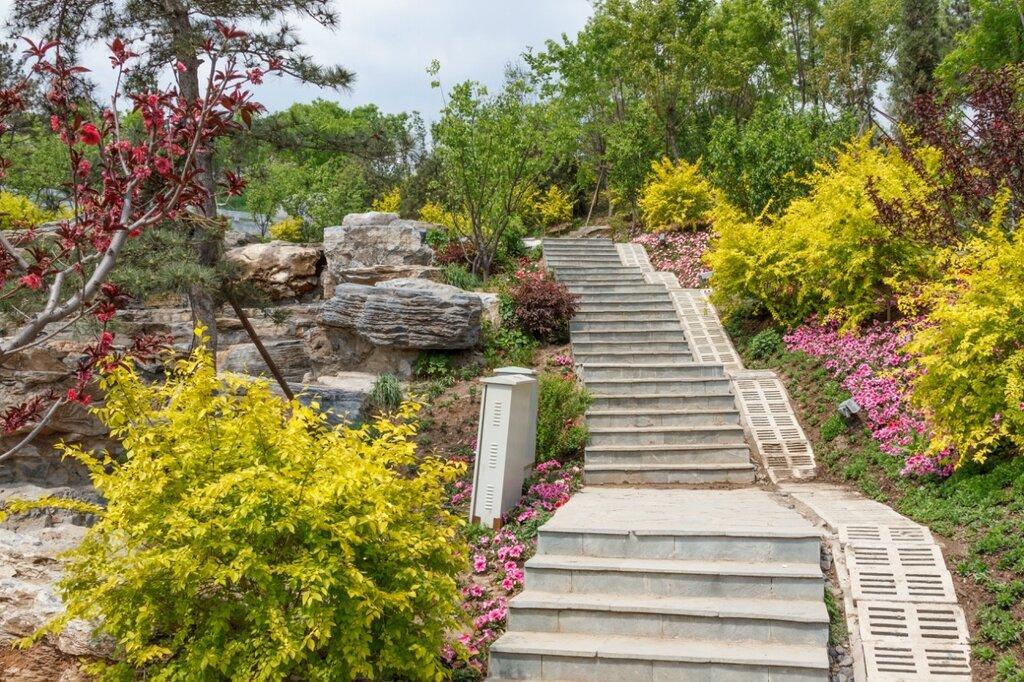 Лестница, парк-выставка садов, Прекрасная долина