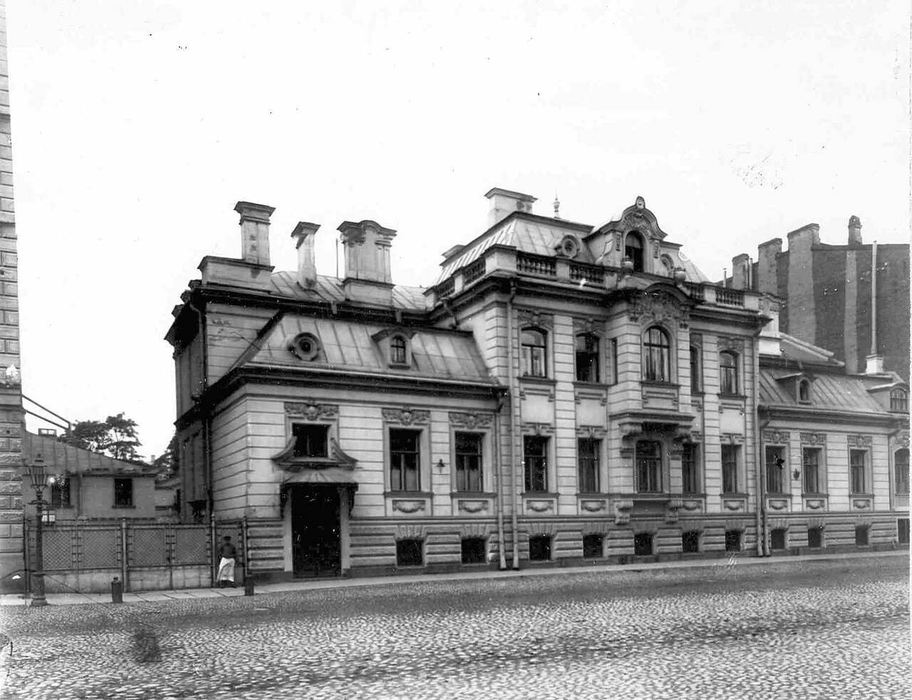 01. Обший вид особняка И.Д.Бонштедта (архитектор В.В.Шауб, 1898-1899)