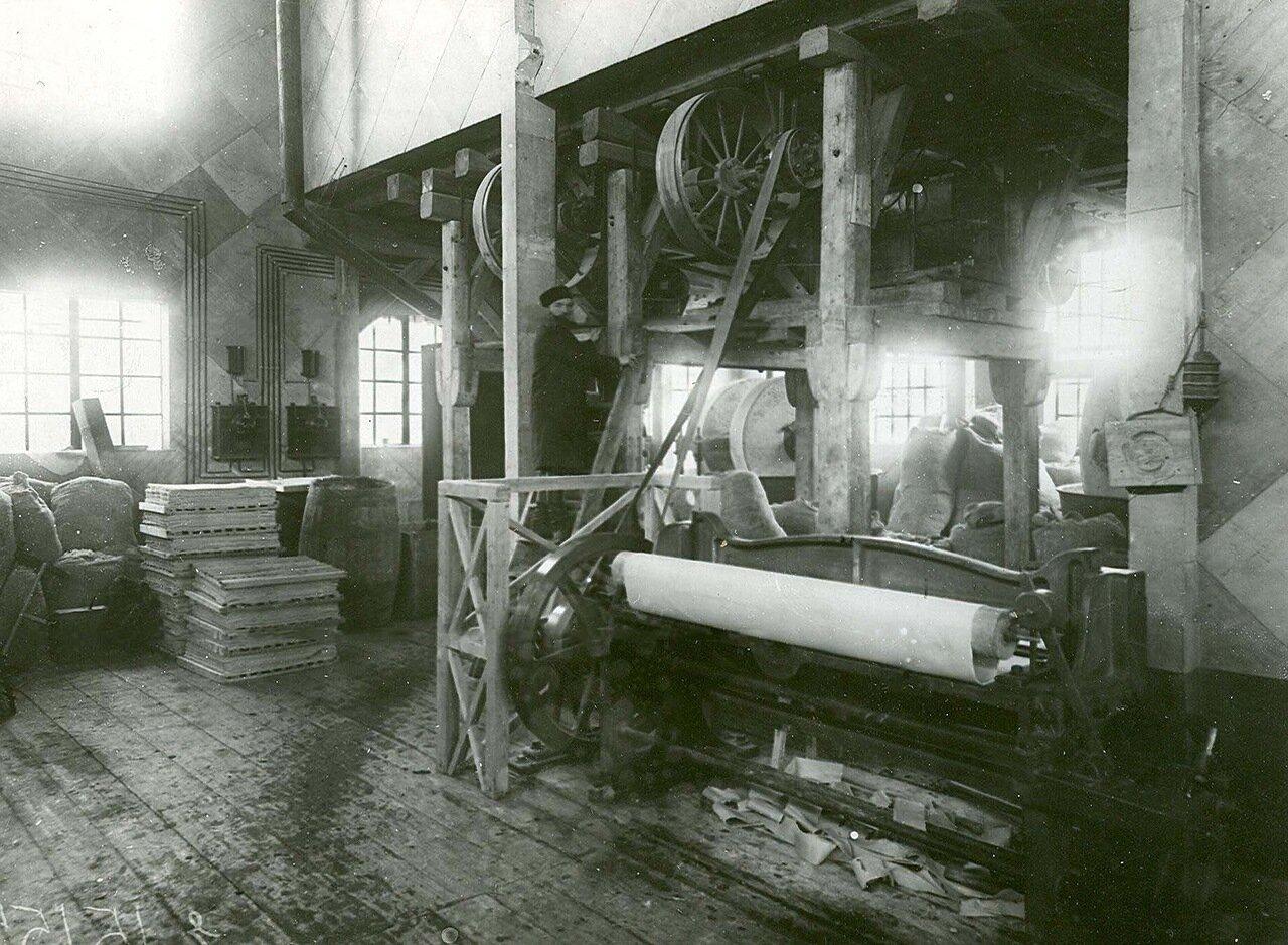 06. Один из цехов завода
