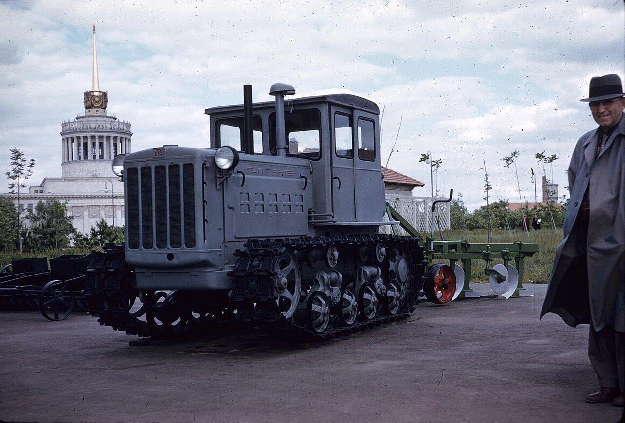 24. ВСХВ. Большой трактор