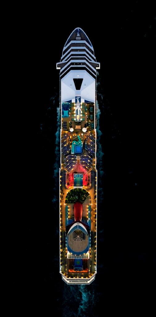 Sea cruise, Jeffrey Milstein.png