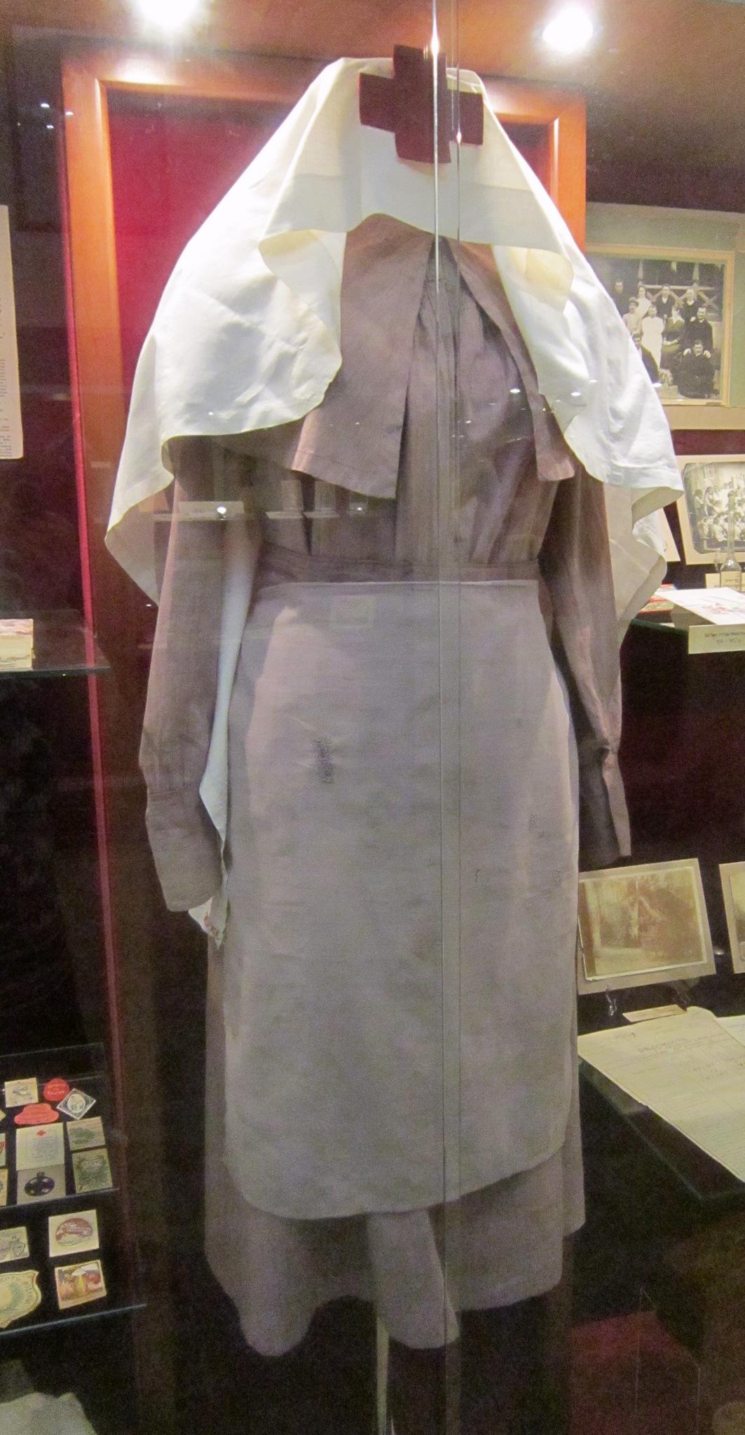 Форма сестры милосердия. 1914-1917 годы.