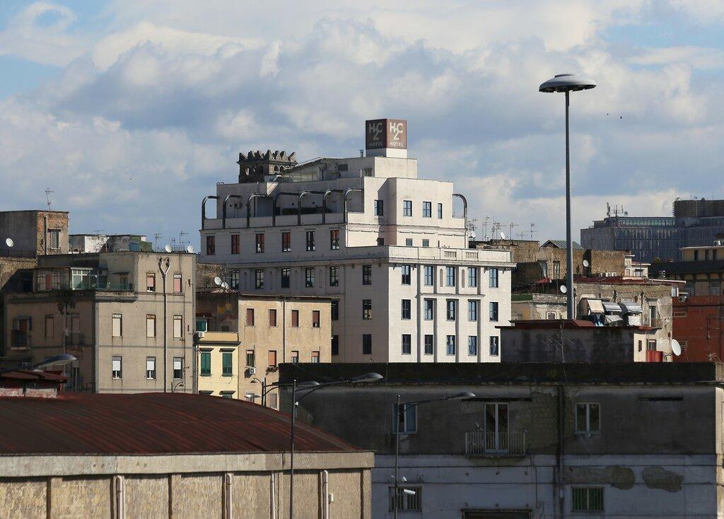 Неаполь.  отель H2C