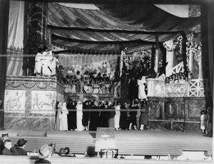 "Сцена из оперетты Ж. Оффенбаха ""Прекрасная Елена""."
