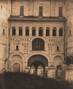Вид части стены северного фасада церкви Воскресения. Ярославская губ.
