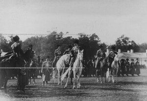 Группа офицеров конвойцев с командиром, генерал-майором, князем Георгием Ивановичем Трубецким  в день  празднования 100-летнего юбилея конвоя.