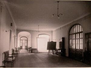 Вид части коридора в доме призрения для увечных воинов.