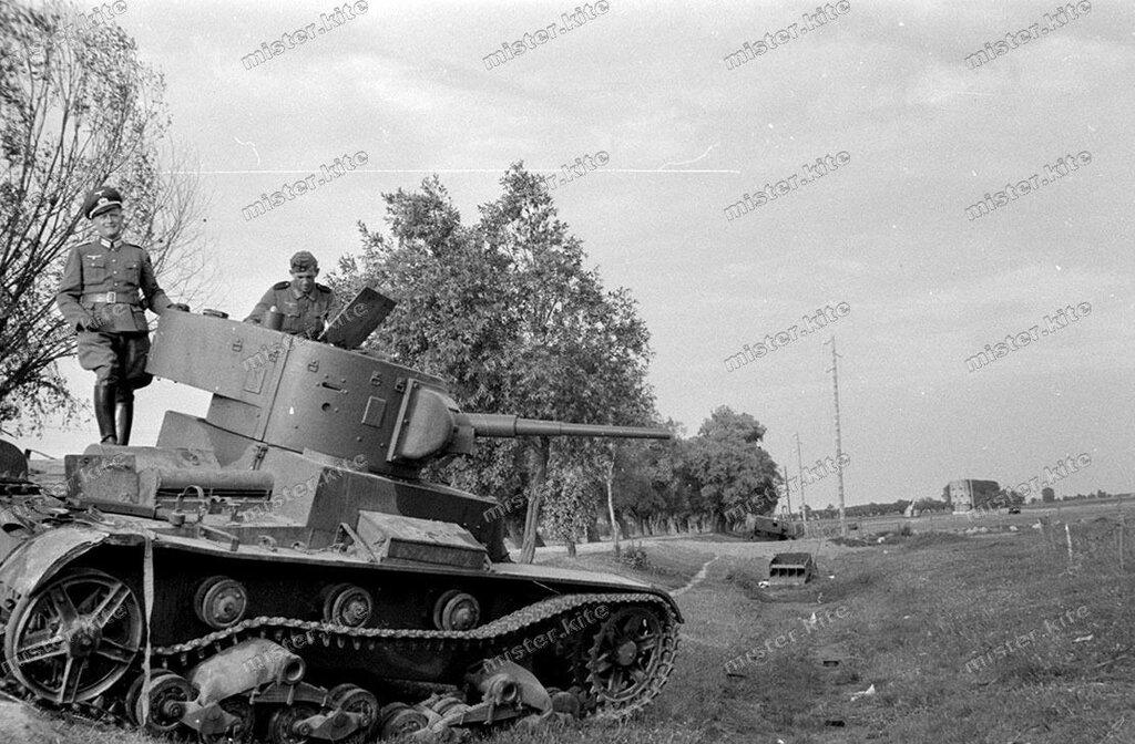 танк Т-26 Брест-Литовск.JPG