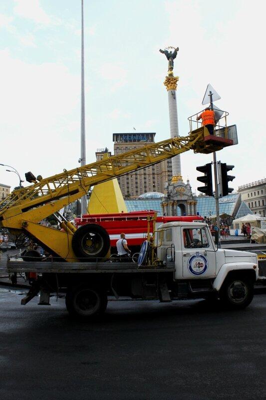 Ремонт светофора и дорожных знаков