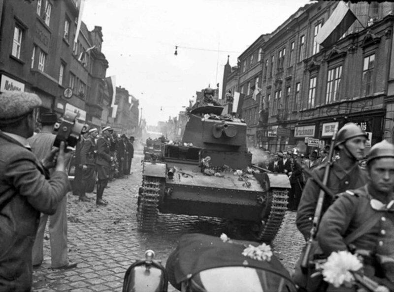 Polish 7TP tanks occupy the city in Cesky Tesin (Cieszyn). October 1938