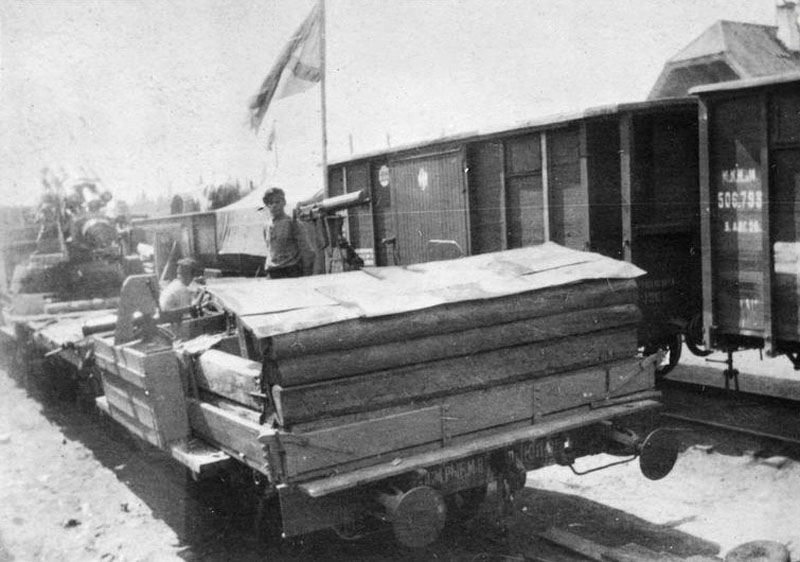 Поезд КОЛЧАК 1919 800.jpg