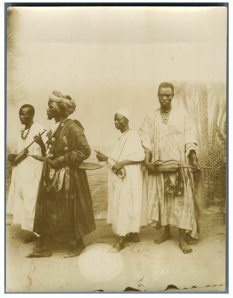 Король Саера с гриотами. 1895