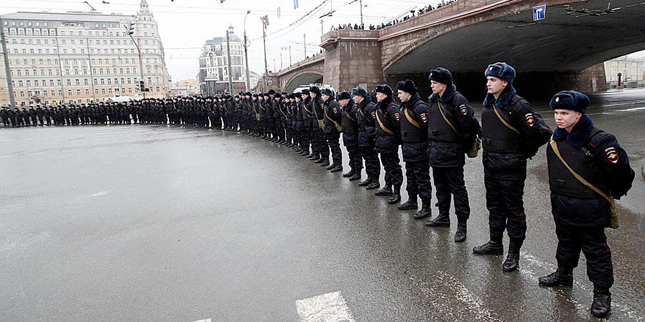 Немцов, полиция, Красная площадь, марш памяти.