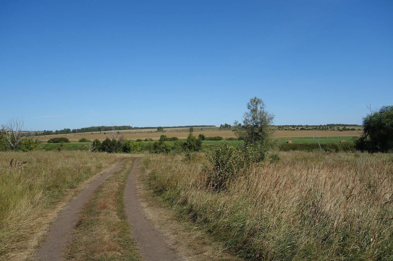 долина реки Плава у деревни Даниловка и села Малынь
