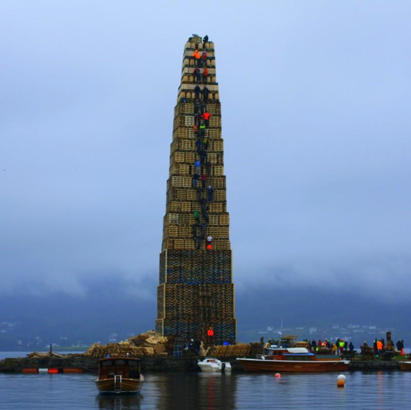 Самый большой костер в мире