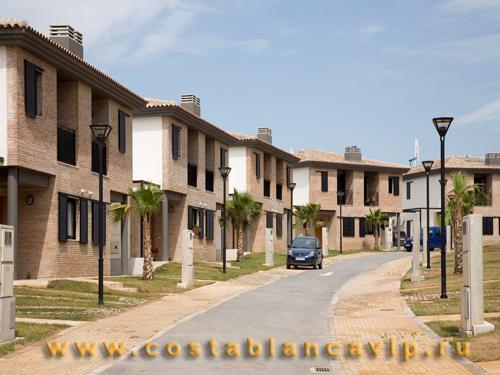 Дом в Valencia, дом в Валенсии, дом в Испании, недвижимость в Испании, городской дом, Коста Бланка, CostablancaVIP, Valencia, Costa Valencia, дом от банка, банковская недвижимость, дом в жилом комплексе, закрытая резидеция