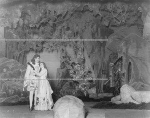 Сцена из постановки театра.