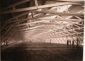 Внутренний вид плаза, предназначенного для разбивки в натуральных размерах чертежей судов, изготовленных на заводах общества.
