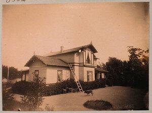Вид одного из жилых домов в дачной местности Пикруки.
