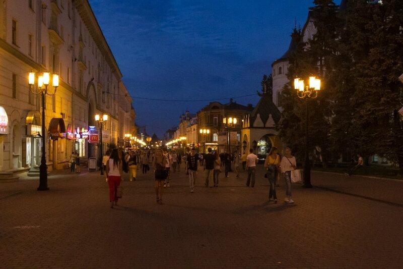 Большая Покровская вечером, Нижний Новгород