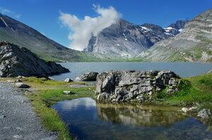 Пейзажи  Озера  в  горах