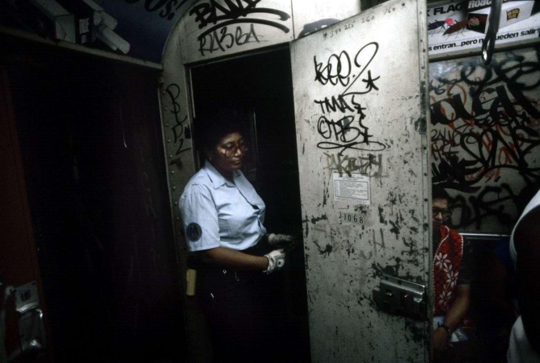 Американский фотограф Christopher Morris: Граффити и андеграунд нью-йоркского метро (31)